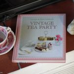 Vintage Tea Party / Caroly & Chris Caldicott